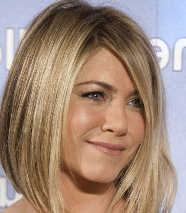carré plongeant pour jennifer aniston