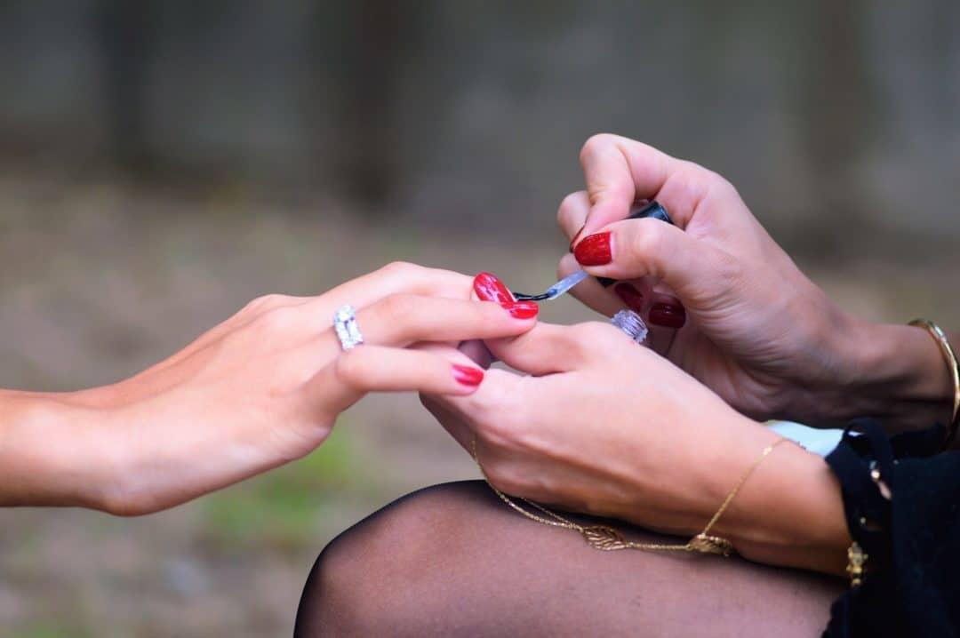 comment poser des ongles en gel