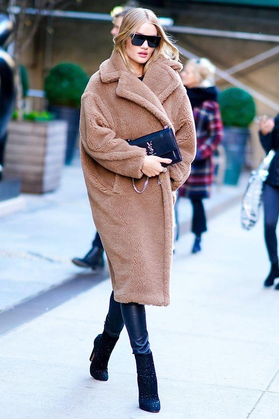 manteau-long-en -fausse-fourrure