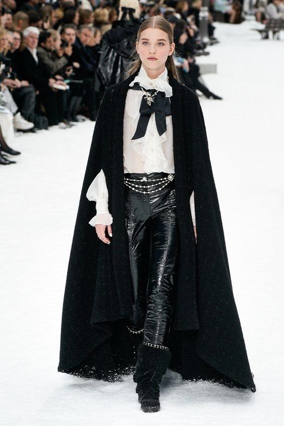 Chanel-cape