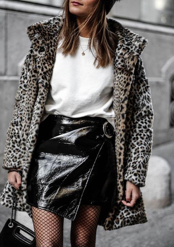 collants-avec-jupe-cuir