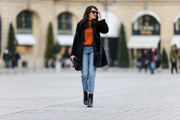 look-avec-manteau-fourrure-noire