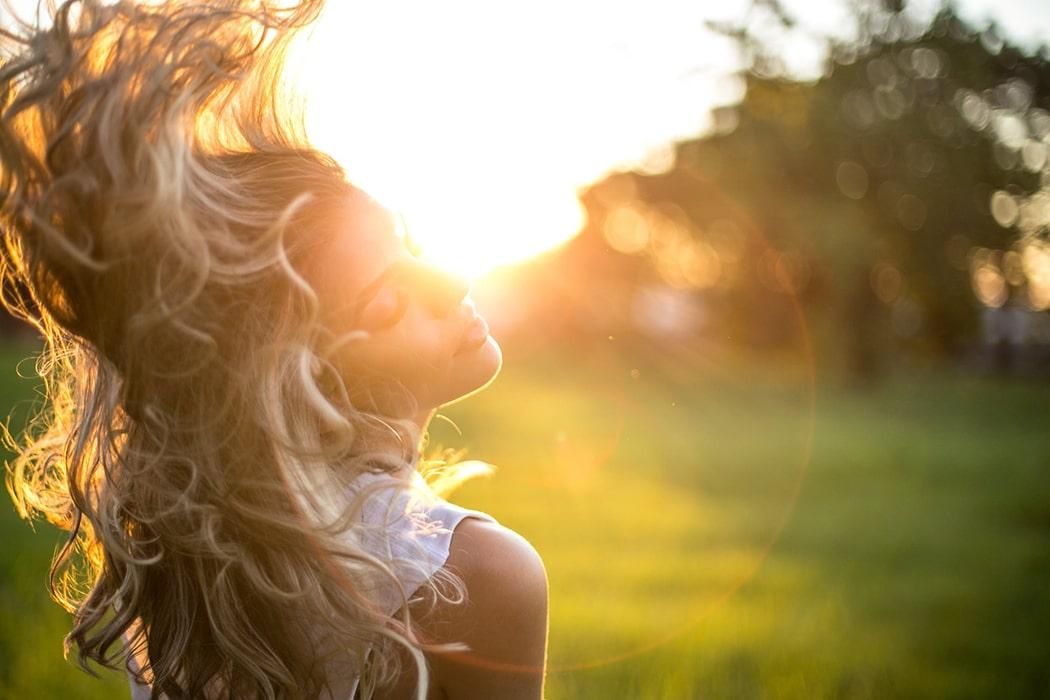 Comment avoir de beaux cheveux naturellement conseils astuces recette
