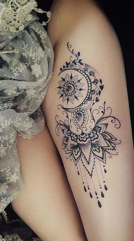 tatouage cuisse mandala lune