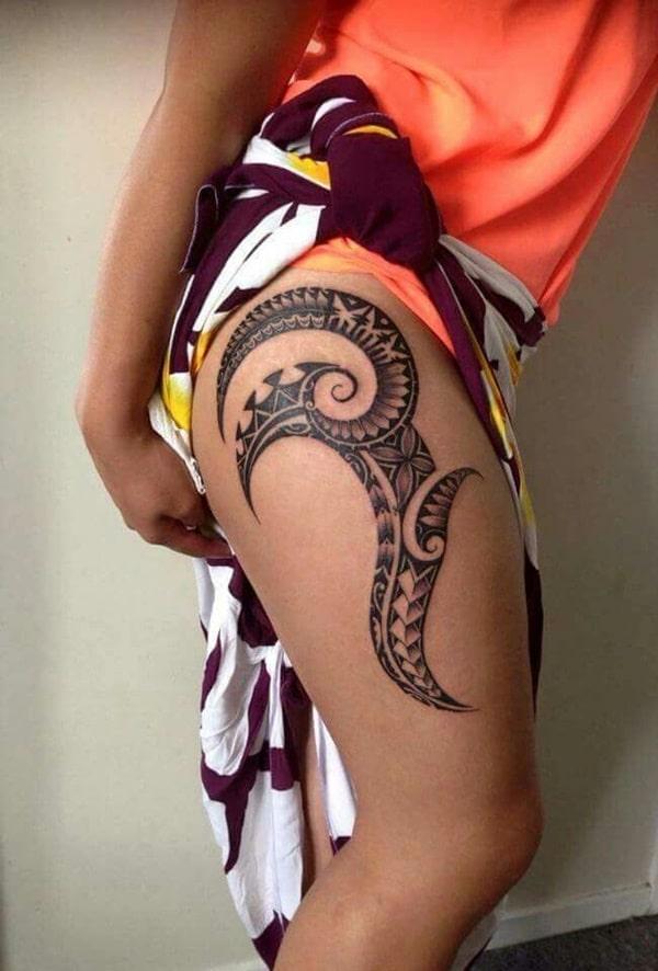 tatouage maori sur la cuisse