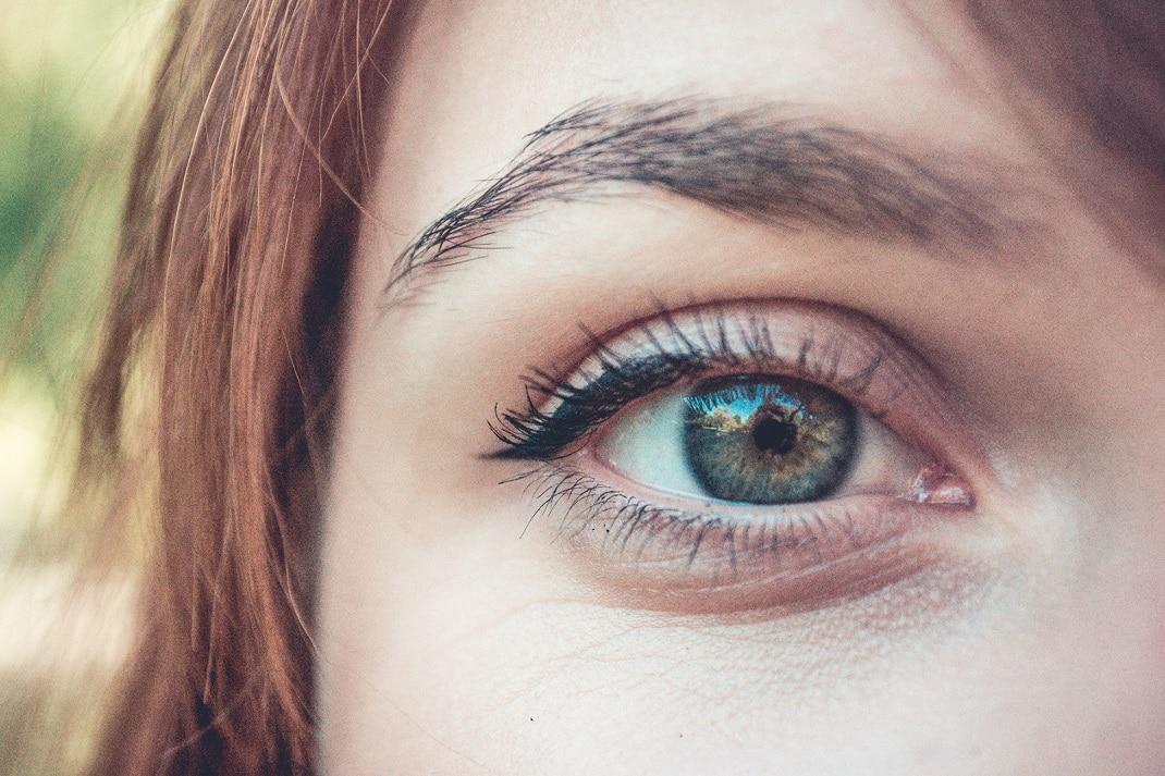 8-remèdes-naturels-pour-avoir-des-sourcils-volumineux