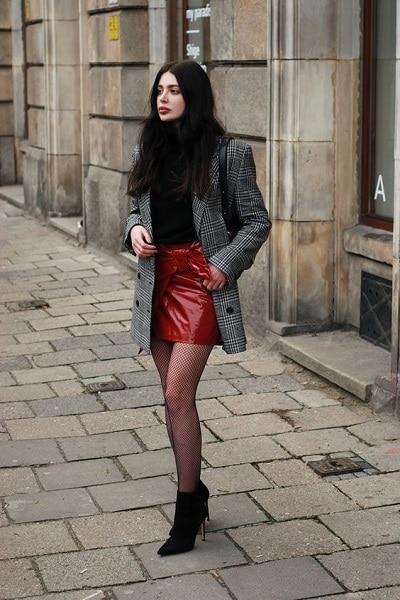 jupe-rouge-cuir
