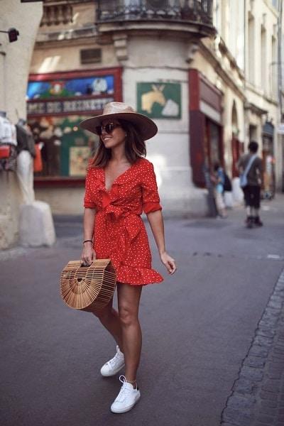 robe-été-baskets