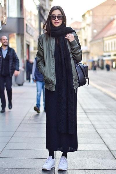 robe-noire-baskets