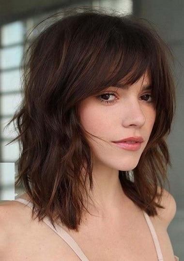 cheveux-mi-longs-frange
