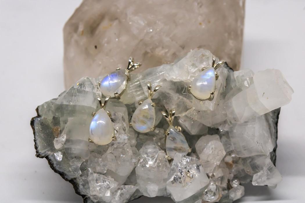 Les bijoux en pierre de lune entre tendance, symboles et vertus (2)