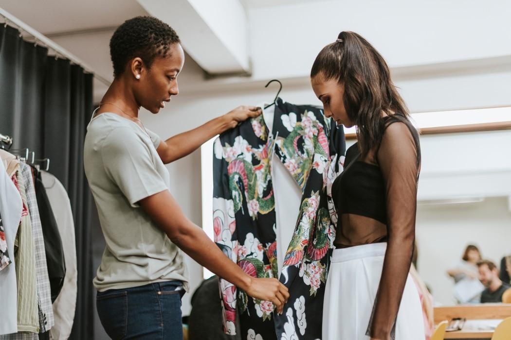 Comment porter le kimono en version ville et avec style