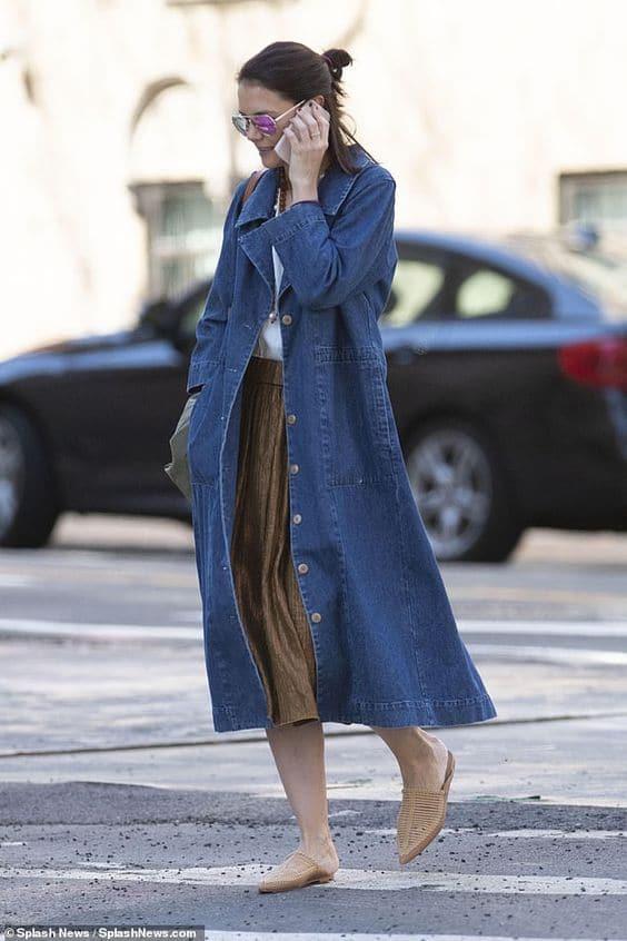 Katie holmes en veste longue en jean