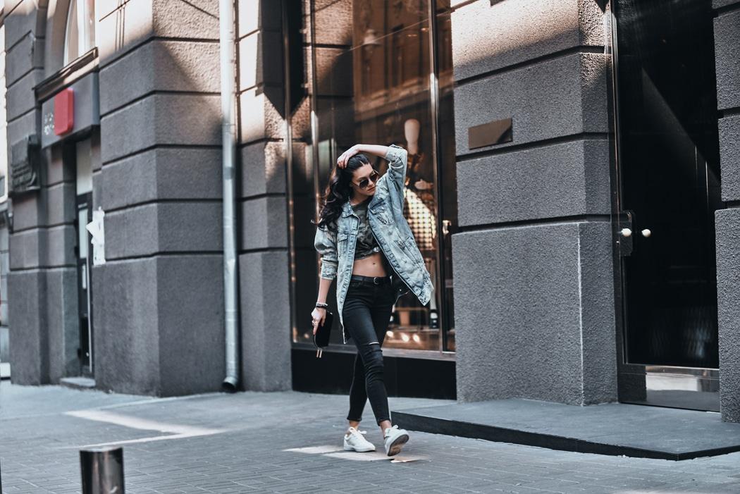 comment porter la veste en jean longue