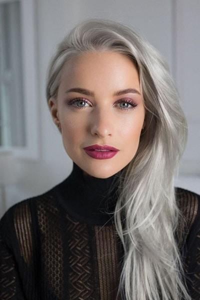jeune femme cheveux gris