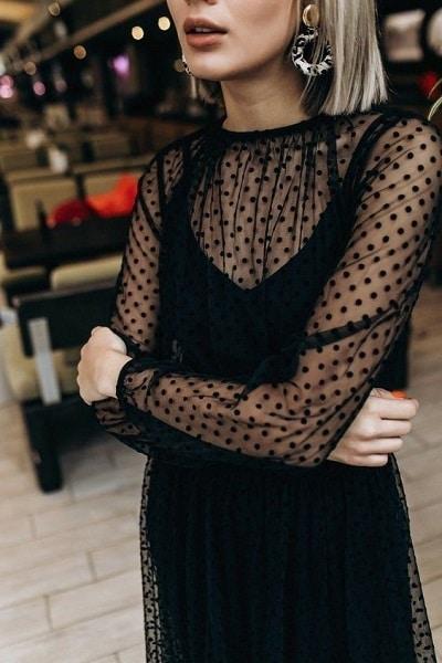 robe noire ajourée Noel