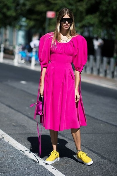 robe rose fuchsia rétro
