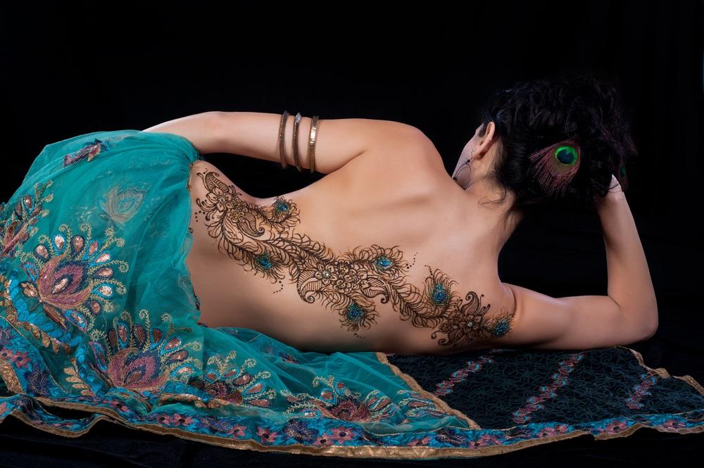 tatouage plume paon