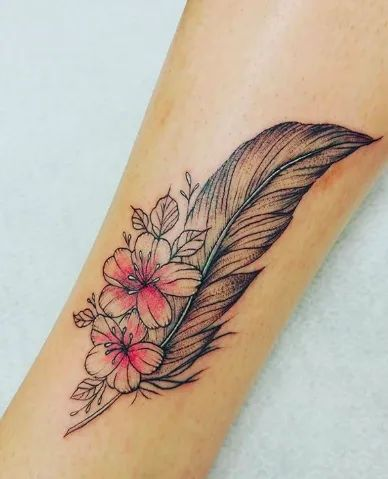 tatouage-plume femme
