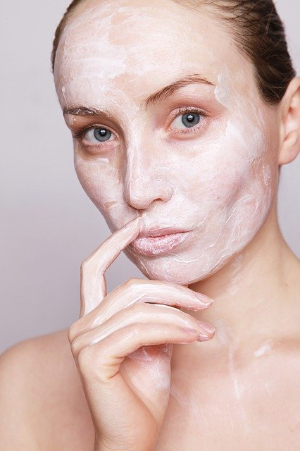 nettoyer peau granuleuse