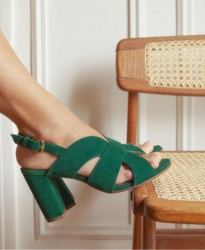 sandales velours talons carrés