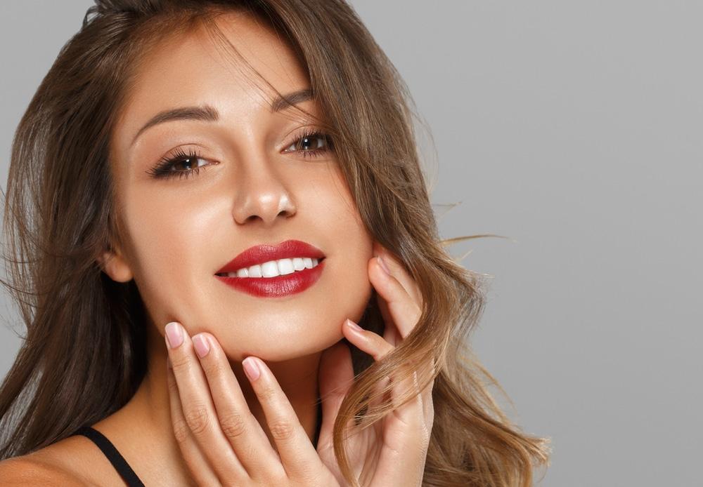4 astuces pour blanchir ses dents naturellement