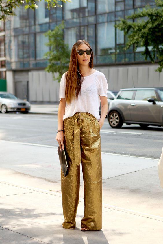 le pantalon doré pour femme